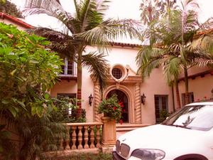 Roxbury Dr. Beverly Hills. Sample Report